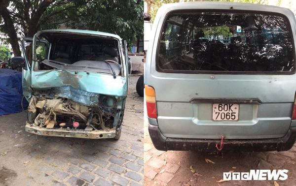 Vụ ô tô chở gỗ lậu tông thẳng vào xe cảnh sát: Đại úy bị hất văng đã qua cơn nguy kịch - Ảnh 1