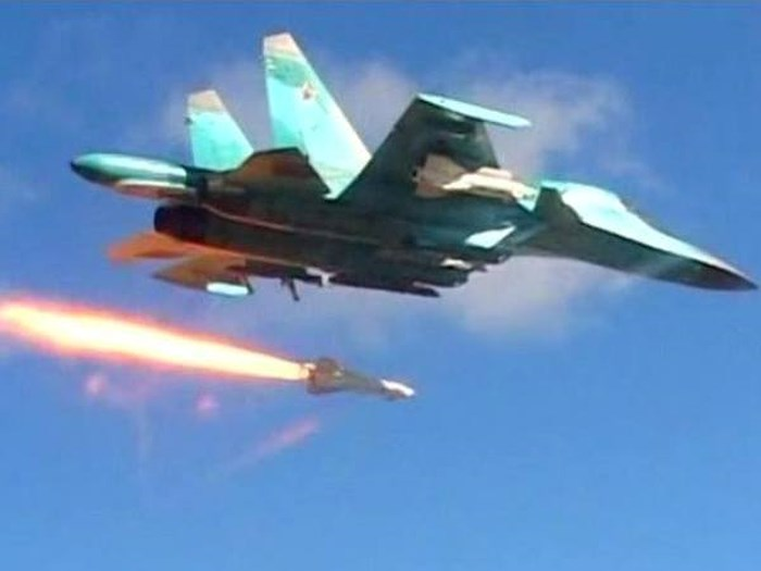 Tin tức quân sự mới nóng nhất hôm nay: Nga dội bom thiêu rụi đoàn xe của khủng bố HTS - Ảnh 1