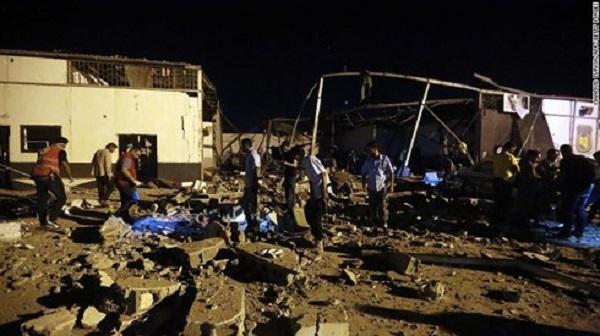 Chiến sự ác liệt tại Libya: Sân bay quốc tế tại thủ đô Tripoli bất ngờ bị không kích - Ảnh 2