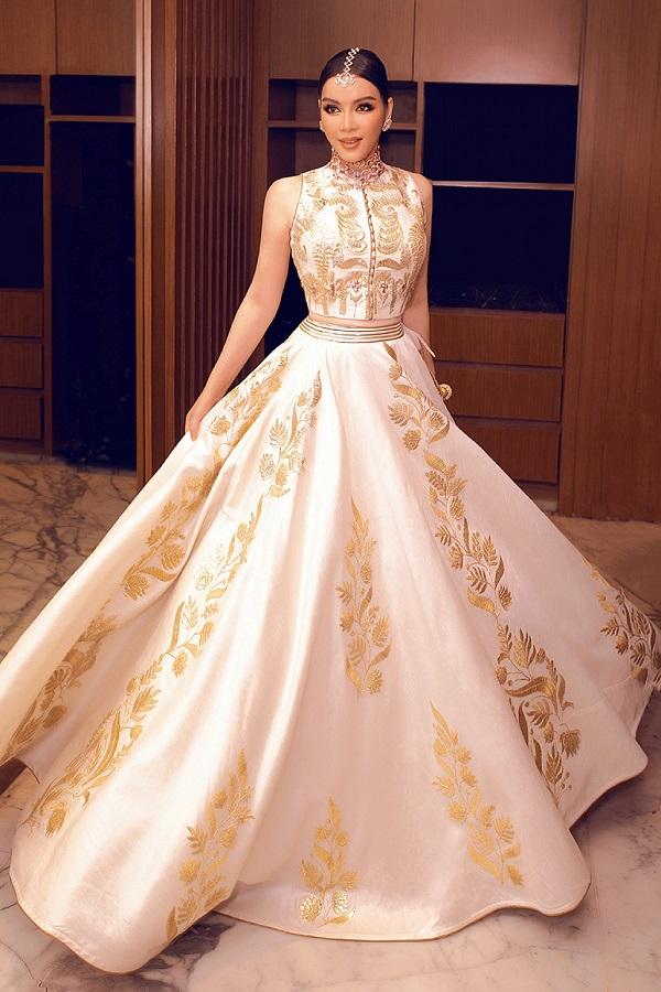 Lý Nhã Kỳ diện váy dát vàng, đeo trang sức triệu USD dự sinh nhật của tỷ phú Ấn Độ - Ảnh 3