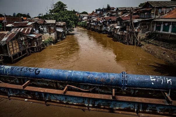 Gióng lên hồi chuông cảnh báo tại Jakarta: Thủ đô của Indonesia đang chìm với tốc độ chóng mặt - Ảnh 1