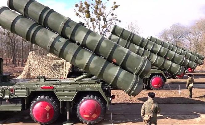 """Tiết lộ đặc điểm khiến """"rồng lửa"""" S-400 của Nga vượt trội hơn """"lá chắn thép"""" của Mỹ - Ảnh 1"""