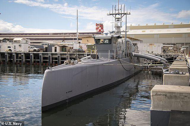 Mỹ chi 1 tỷ USD đóng hạm đội tàu chiến không người lái lớn nhất thế giới - Ảnh 1
