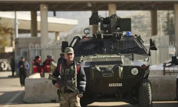 Quân đội Syria vây chặt nhiều căn cứ của phiến quân, giành lại nhiều khu vực quan trọng - Ảnh 1