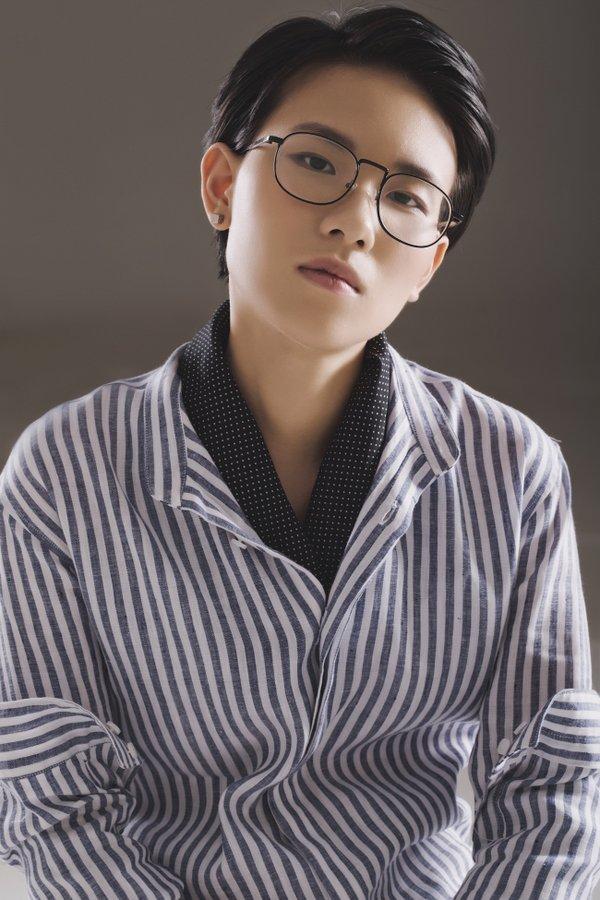 """Bích Phương trở lại, """"thiêu đốt"""" đường đua Vpop với hình ảnh quyến rũ trong teaser MV """"Đi đu đưa đi"""" - Ảnh 2"""