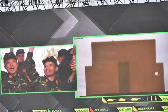 Đội Việt Nam dẫn đầu bảng tại Giải đua xe tăng quốc tế ở Nga - Ảnh 1