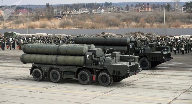 """Nga công bố hình ảnh vận chuyển lô """"Rồng lửa"""" S-400 thứ hai cho Thổ Nhĩ Kỳ - Ảnh 1"""