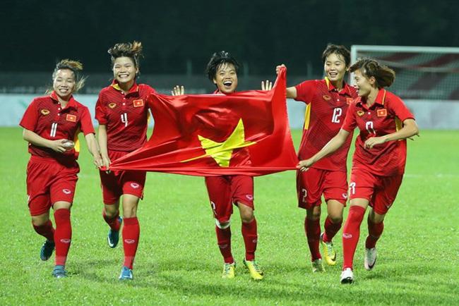 Tiếp nối thành công và một năm thăng hoa của bóng đá Việt Nam - Ảnh 1