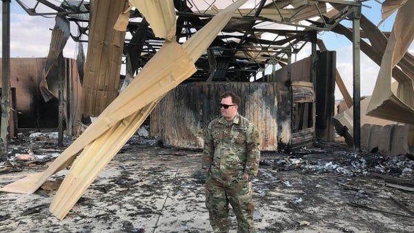 """Cận cảnh căn cứ Mỹ tan hoang sau khi trúng """"mưa"""" tên lửa Iran - Ảnh 6"""