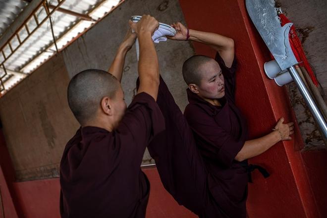 Gặp gỡ những nữ tu luyện kungfu trên dãy Himalaya - Ảnh 7