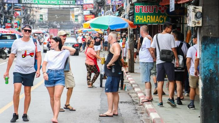 Khách du lịch quỵt tiền viện phí, các bệnh viện tại châu Á đau đầu tìm cách giải quyết - Ảnh 1