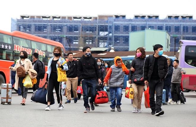 Người dân đồ về Hà Nội sau kì nghỉ Tết, cao tốc Pháp Vân - Cầu Giẽ ùn tắc kéo dài - Ảnh 9
