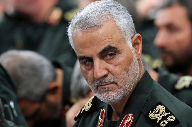 Sau cái chết tướng Soleimani, nhiều người Iran kêu gọi treo thưởng 80 triệu USD để ám sát Tổng thống Trump - Ảnh 2