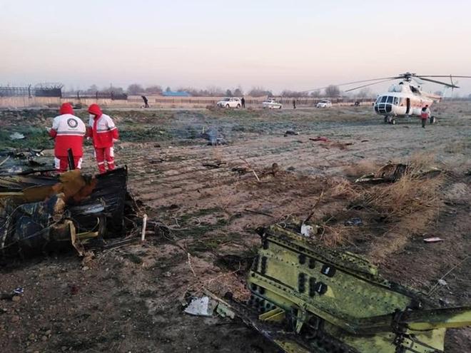 Hiện trường thảm khốc vụ rơi máy bay khiến 170 thiệt mạng tại Iran - Ảnh 5
