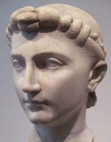 Cuộc đời nàng công chúa đầu tiên trong lịch sử La Mã: Tái hôn hai lần, bị đày ra đảo hoang vì tội ngoại tình  - Ảnh 1