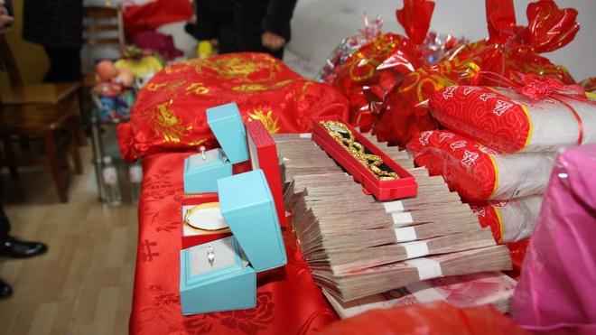 Thách cưới với giá trên trời tại Trung Quốc: Khuynh gia bại sản, nợ nần chồng chất - Ảnh 2
