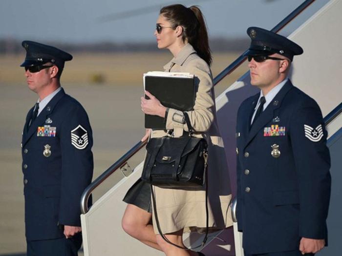 Nữ trợ lý thân cận bậc nhất của ông Trump: Nhan sắc cực phẩm, khả năng ngoại giao đỉnh cao - Ảnh 5