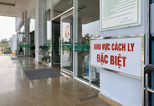 Nữ du học sinh nhập cảnh từ Anh mắc COVID-19, Việt Nam có 1.098 bệnh nhân - Ảnh 1