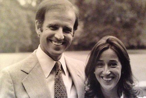 """Chân dung """"bóng hồng"""" hy sinh thầm lặng, sát cánh cùng ông Biden suốt 74 năm - Ảnh 1"""