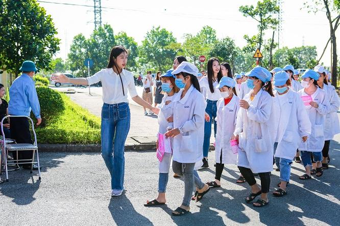 Hoa Hậu Việt Nam 2020: 'Phiên chợ tử tế' của những tấm lòng nhân ái - Ảnh 2