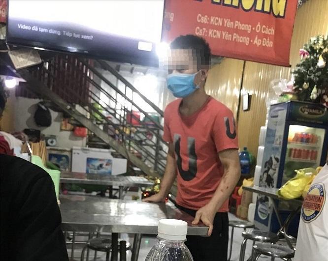 """Tạm giữ nữ chủ quán bánh xèo ở Bắc Ninh nghi bạo hành nhân viên như thời """"trung cổ"""" - Ảnh 1"""