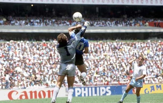 """""""Bàn tay của Chúa"""" giúp Maradona đưa Argentina lên đỉnh thế giới - Ảnh 2"""
