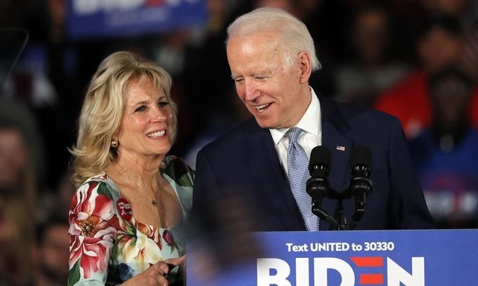 """Chân dung đóa hồng """"hồi sinh"""" ông Joe Biden từ đau thương, sát cánh suốt hơn 40 năm  - Ảnh 1"""