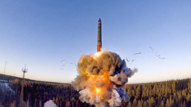 Tin tức quân sự mới nóng nhất ngày 10/12: Nga khai hỏa cùng lúc bộ ba hạt nhân - Ảnh 1