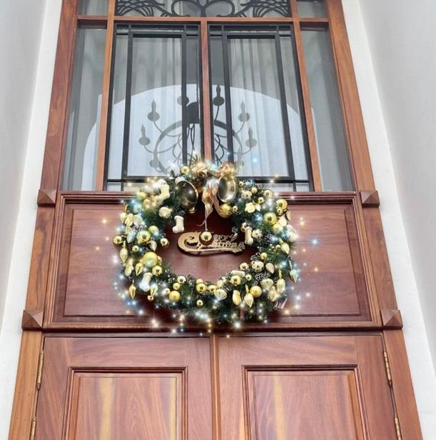 Chiêm ngưỡng căn biệt thự được trang hoàng lung linh của Bảo Thy trong mùa Giáng sinh - Ảnh 1