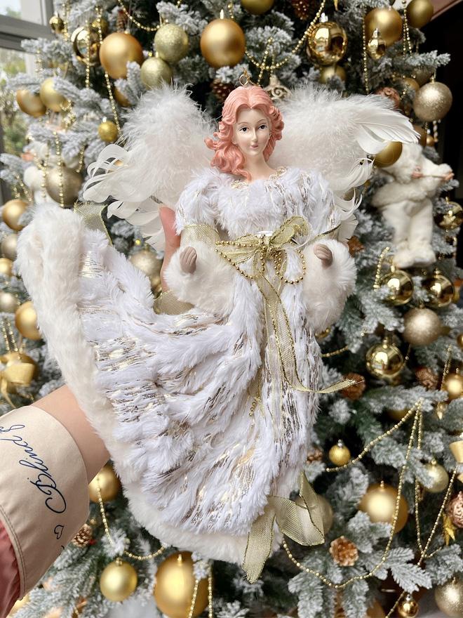 Chiêm ngưỡng căn biệt thự được trang hoàng lung linh của Bảo Thy trong mùa Giáng sinh - Ảnh 4