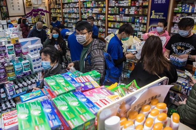 Tù nhân Hong Kong làm việc ngày đêm để sản xuất khẩu trang trong dịch virus corona - Ảnh 2