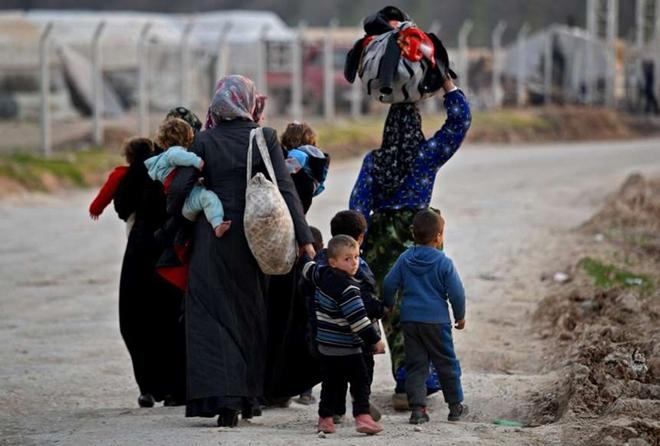 Xót xa cảnh hàng trăm nghìn dân thường phải chạy trốn khỏi Idlib, giữa bối cảnh giao tranh ác liệt - Ảnh 7