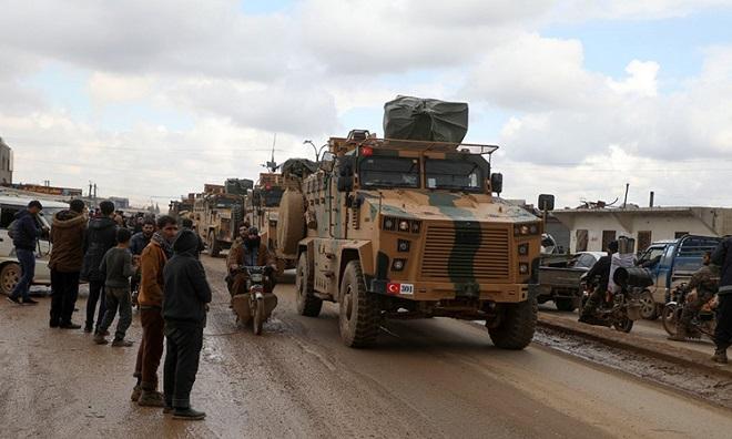 Trả đũa vụ 33 binh sĩ thiệt mạng, Thổ Nhĩ Kỳ pháo kích dữ đội nhằm vào quân đội Syria tại Idlib - Ảnh 1