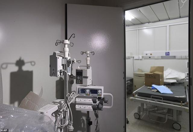 Có gì tại bệnh viện dã chiến được xây dựng thần tốc trong 10 ngày ở Vũ Hán? - Ảnh 8
