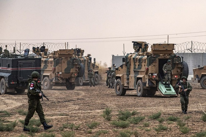 Phiến quân thực hiện hơn 1.000 cuộc tấn công tại Syria trong 2 tuần, chuyên gia quân sự Nga thiệt mạng - Ảnh 1