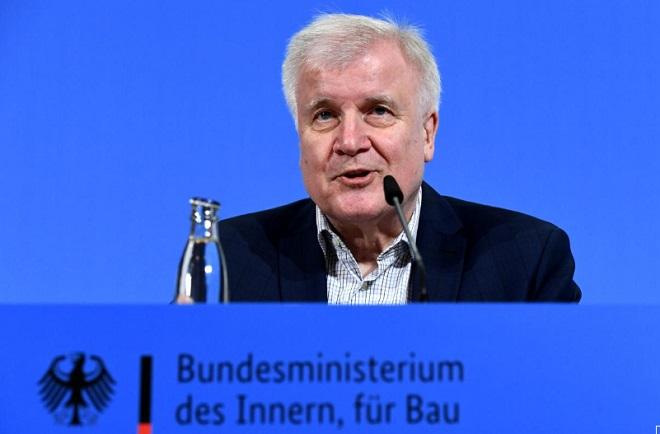 Đức tuyên bố đóng cửa biên giới với 5 nước láng giềng nhằm phá vỡ chuỗi lây nhiễm Covid-19 - Ảnh 1