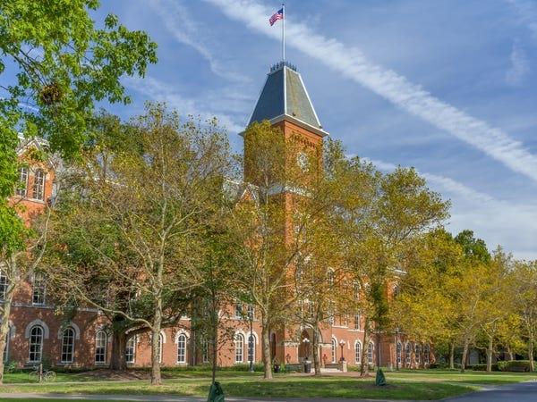 Hàng loạt các trường đại học danh tiếng tại Mỹ đóng cửa, yêu cầu sinh viên rời ký túc xá - Ảnh 11