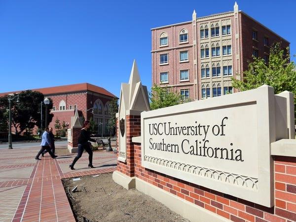 Hàng loạt các trường đại học danh tiếng tại Mỹ đóng cửa, yêu cầu sinh viên rời ký túc xá - Ảnh 16