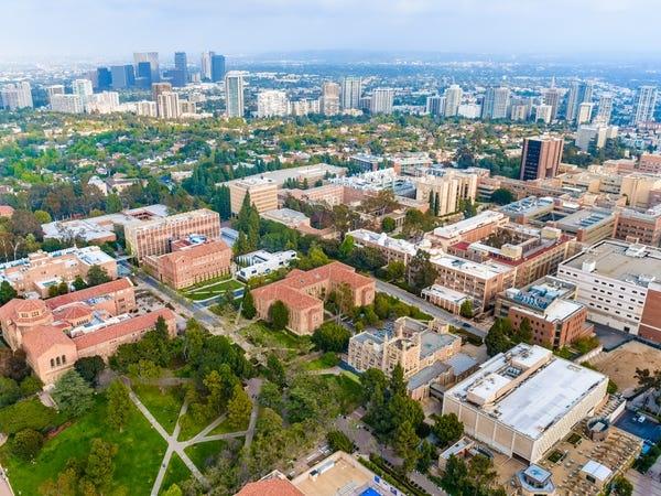 Hàng loạt các trường đại học danh tiếng tại Mỹ đóng cửa, yêu cầu sinh viên rời ký túc xá - Ảnh 17