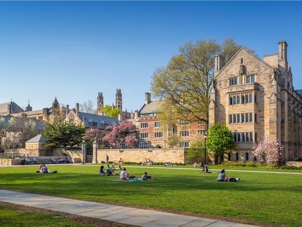 Hàng loạt các trường đại học danh tiếng tại Mỹ đóng cửa, yêu cầu sinh viên rời ký túc xá - Ảnh 4