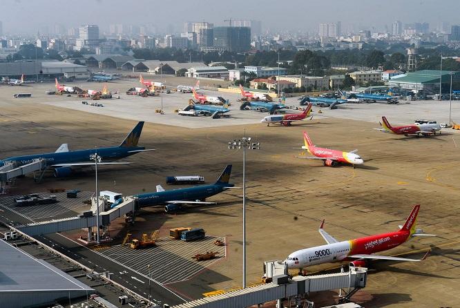 Công văn hoả tốc: Dừng chở người Việt Nam từ nước ngoài về sân bay Tân Sơn Nhất - Ảnh 1