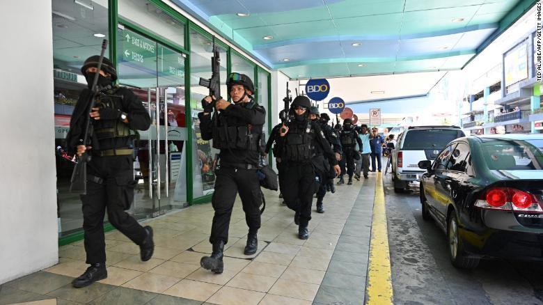 Tin tức thế giới mới nóng nhất ngày 3/3: Giải cứu toàn bộ con tin bị bắt cóc trong Trung tâm mua sắm ở Philippines - Ảnh 1