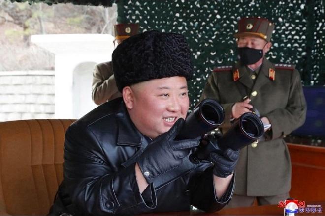 Triều Tiên bất ngờ công bố các hình ảnh trong cuộc diễn tập quân sự với pháo binh - Ảnh 2