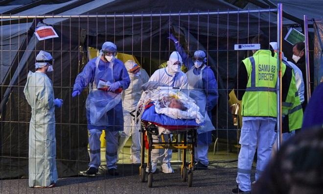 Buổi thánh lễ tại Pháp biến thành sự kiện siêu lây nhiễm với ít nhất 2.500 ca mắc Covid-19 - Ảnh 2