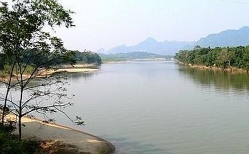Lật thuyền đánh cá tại Thanh Hóa, hai vợ chồng mất tích trên sông - Ảnh 1