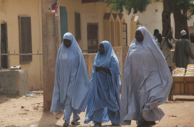 Nhóm cướp lái gần 150 xe máy, xả súng khiến 47 người thiệt mạng tại Nigeria - Ảnh 1