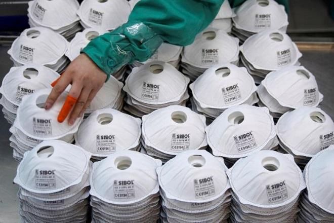 Trung Quốc tuyên bố xuất khẩu gần 4 tỷ khẩu trang chỉ trong hơn một tháng  - Ảnh 1