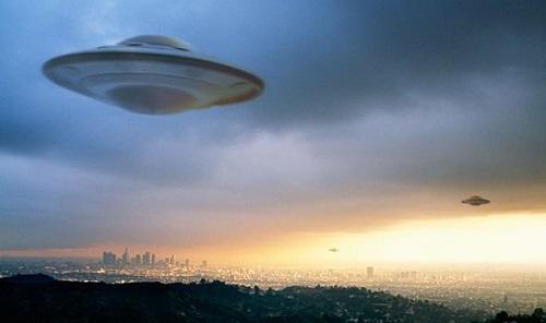UFO như con tàu vũ trụ bay trong núi lửa ở Mexico? - Ảnh 2