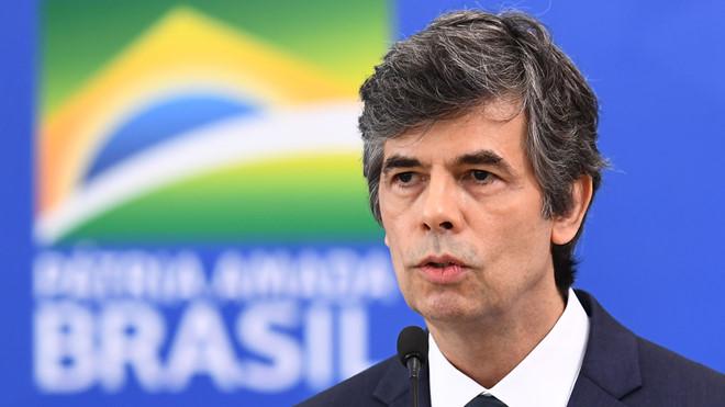 Bất đồng quan điểm với tổng thống, liên tiếp 2 bộ trưởng y tế Brazi từ chức chỉ trong một tháng - Ảnh 1