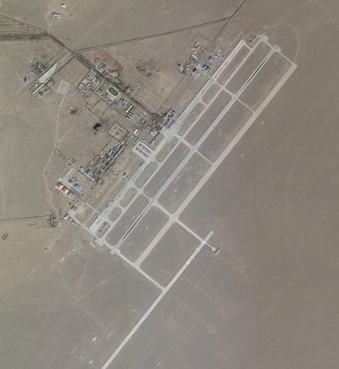 Có gì trong căn cứ quân sự khổng lồ của không quân Trung Quốc trên sa mạc Gobi? - Ảnh 1